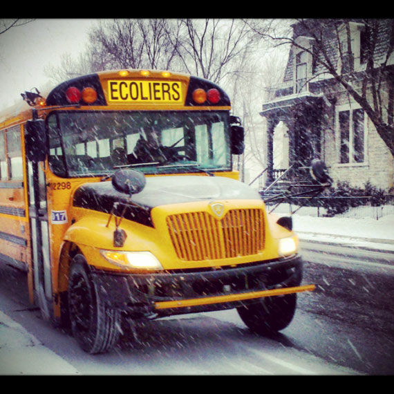 01_bus-ecoliers-jaune-montreal