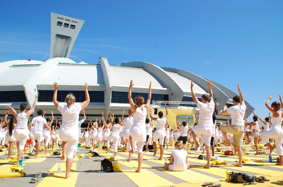white-yoga-session-lole_montreal-juillet-2013_01