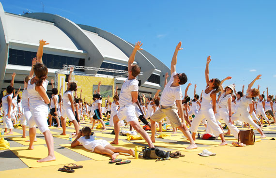 white-yoga-session-lole_montreal-juillet-2013_03