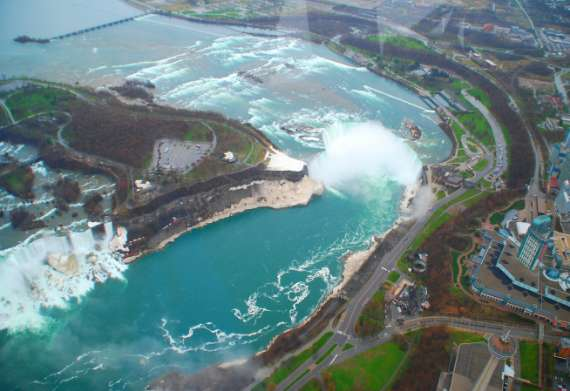 10_toronto-niagaras-falls-helicopters